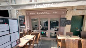 Devanture Restaurant Le Ludoti - Elisabeth MORIN - Graphiste La Rochelle